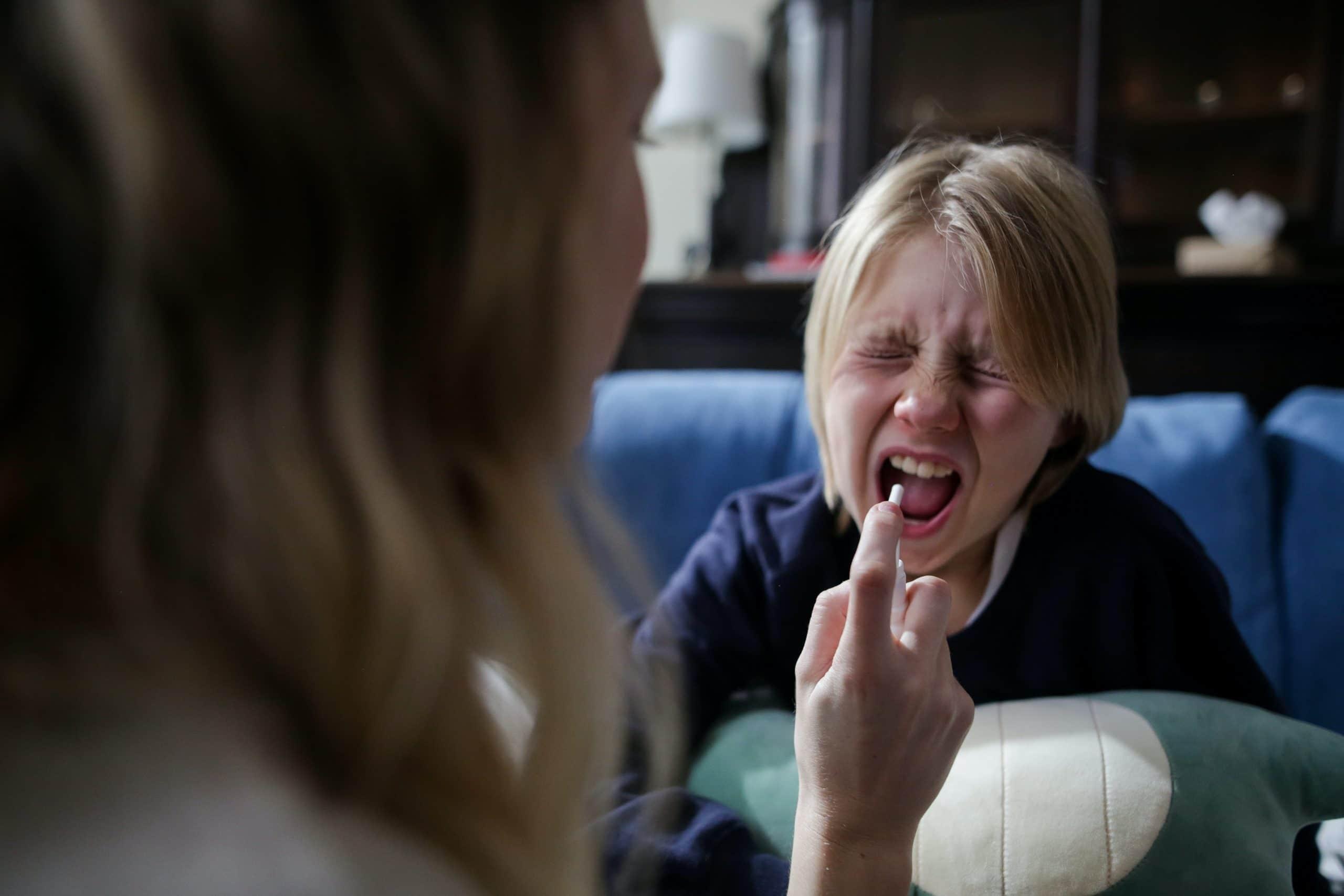 stosowanie-inhalatora-ciśnieniowego-u-dzieci